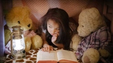 Stuffed animals can encourage children to read more according to new research. (© bradleyhebdon / Istock.com)