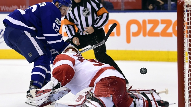 33e0852e4b5 NHL scores  Leafs snap losing streak with 3-2 win over Red Wings ...