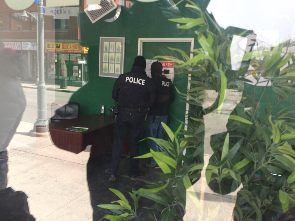Ottawa Police raiding Cannabis Culture on Bank St. in Ottawa on Thursday, Mar. 9, 2017. (CTV Ottawa)