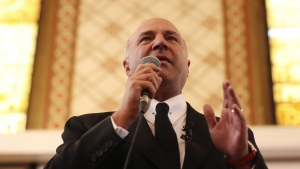 Conservative leadership candidate Kevin O'Leary speaks at Queen's University, in Kingston, Ont., on Thursday, March 16, 2017. THE CANADIAN PRESS/Lars Hagberg