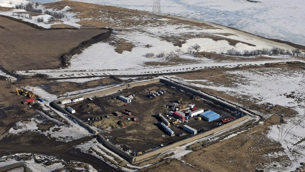 Dakota Access pipeline refusal to stop