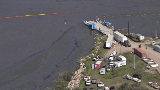 North Saskatchewan oil spill