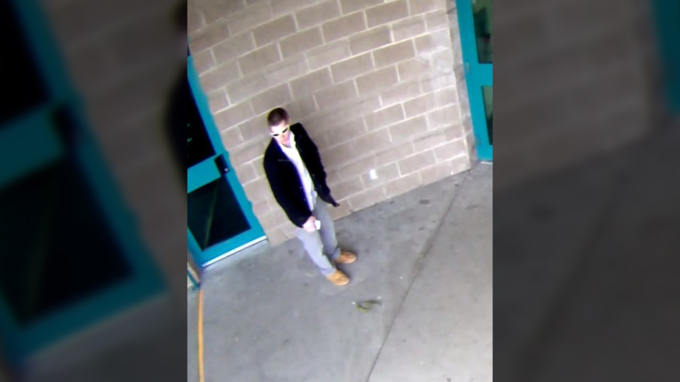 "Nanaimo RCMP are searching for a man described as a white 25-35 year old, 5'6"" with a thin build and short blond hair after a brazen bike theft outside of the Nanaimo Aquatic Centre. April 4, 2017. (RCMP Handout)"