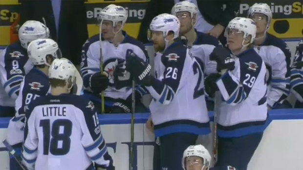 Jets beat Blues 5-2 for 5th straight win