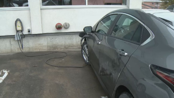 The government-funded Innovative Vehicle Institute is lending electric and hybrid cars to Quebec businesses in hopes of convincing them to shift to the greener vehicles.