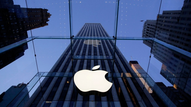 Apple receives permit to test autonomous cars in California