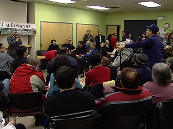 There was no shortage of ideas on how to crack down on gang violence as about a 100 people gathered at a town hall meeting in Vancouver Wednesday night, organized by Vancouver Liberal M.P. Ujjal Dosanjh. March 19, 2009. (CTV)