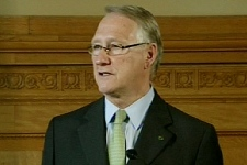 Montreal Mayor Gerald Tremblay addresses reporters after the Quebec budget was released. (Mar. 19, 2009)