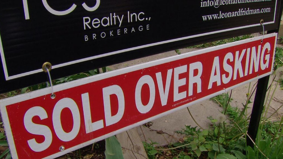 The overheated housing market in the GTA is reverberating in cottage country where prospective buyers are being priced out of Parry Sound, Ont. due to increasing demand. (CTV News)