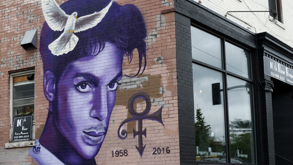 A mural honouring the late Prince adorns a building in the Uptown area of Minneapolis on Aug 28, 2016. (AP / Jim Mone)