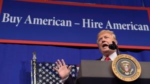 U.S. President Donald Trump at Snap-on Inc. in Kenosha, Wis., on April 18, 2017. (Susan Walsh / THE CANADIAN PRESS / AP)