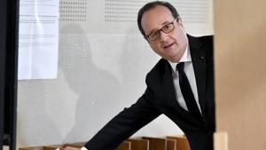 Francois Hollande votes