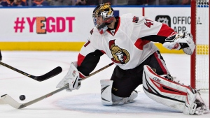 Ottawa Senators' Craig Anderson (41) makes a save during second period NHL action against the Edmonton Oilers, in Edmonton on Sunday, October 30, 2016. (THE CANADIAN PRESS/Jason Franson)