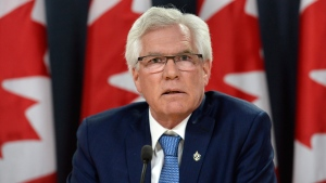 Minister of Natural Resources Jim Carr in Ottawa on April 25, 2017. (Adrian Wyld / THE CANADIAN PRESS)