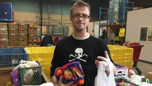 Deryck Ball volunteers at the Saskatoon Food Bank on Tuesday, April 25, 2017. (Mark Villani/CTV Saskatoon)
