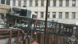 CTV Ottawa: Crane falls on LRT construction site