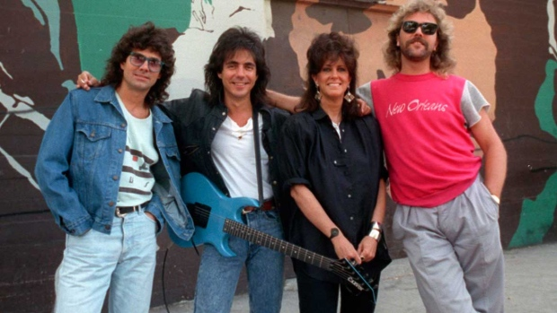 Guitarist sues to stop use of Jefferson Starship band name