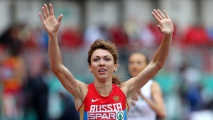 Russia's Ekaterina Sharmina, celebrates winning the Women's 1500m during the European Team Athletics Championships in Gateshead, England, Sunday, June 23, 2013. (AP  / Scott Heppell)