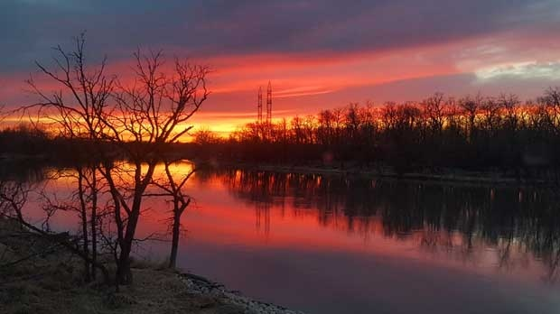 Breathtaking sunset in Headingley. Photo by Marvin Janzen.