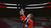 Edmonton Oilers fans sing U.S. national anthem