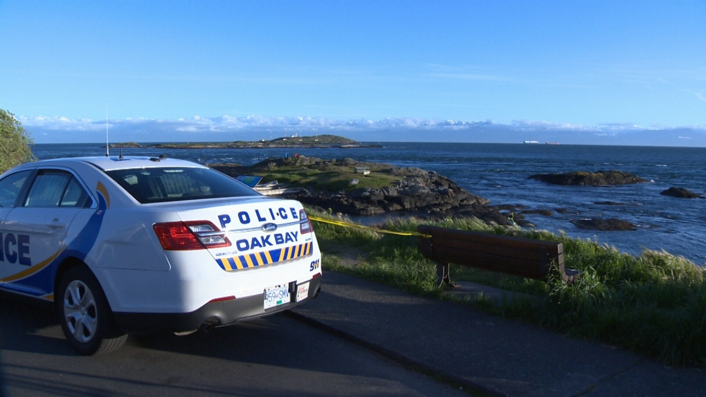 Oak Bay police arrest man for threatening to kill couple over cigarette