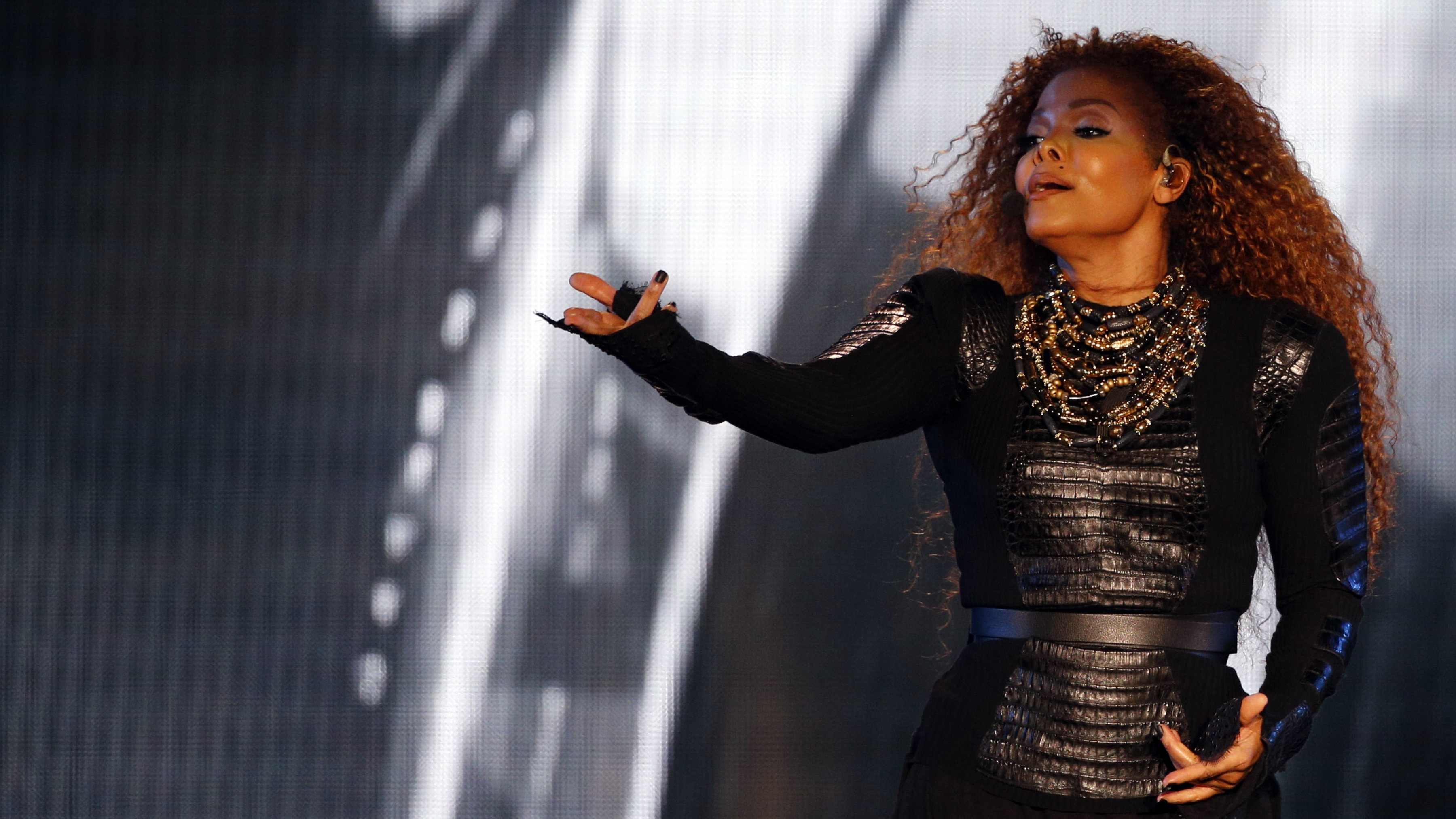 Janet Jackson is separating from her husband months after giving birth pics