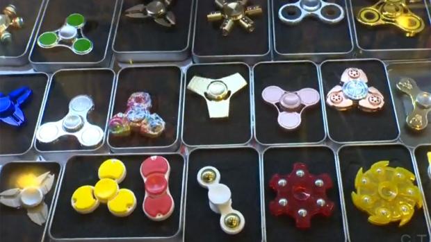 Fidget spinners display case