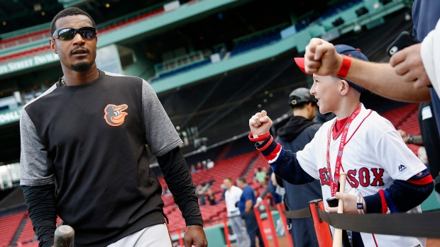 Red Sox Fans Cheer Adam Jones Day After Racist Taunts