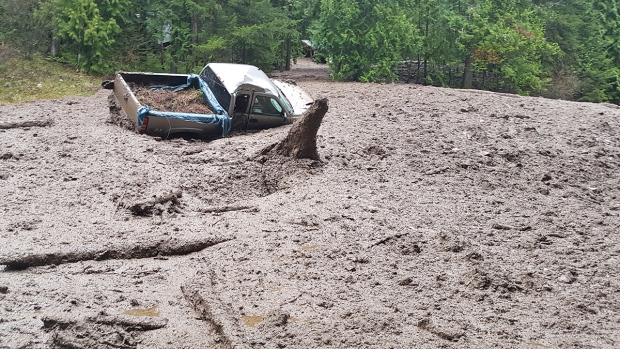 Damage from a mudslide at Shuswap Lake in Sunnybrae, B.C., Saturday, May 6, 2017. (Tony Langhorn / MyNews)