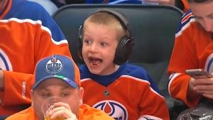 Young fan steals the show during Oilers' game 6 vi