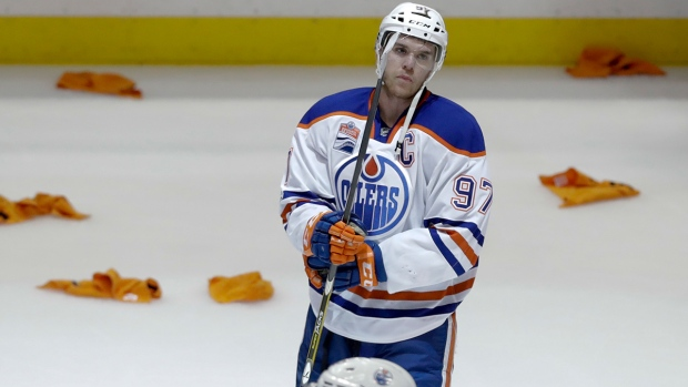 Edmonton Oilers center Connor McDavid reacts after the Oilers' 2-1 loss to the Anaheim Ducks in Game 7 of a second-round NHL hockey Stanley Cup playoff series in Anaheim, Calif., Wednesday, May 10, 2017. (AP / Chris Carlson)