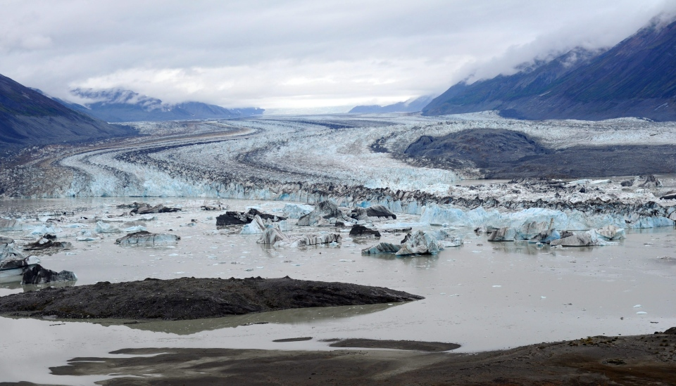 Lowell Glacier in Kluane National Park, Yukon on Friday, August 26, 2011. (Sean Kilpatrick / THE CANADIAN PRESS)