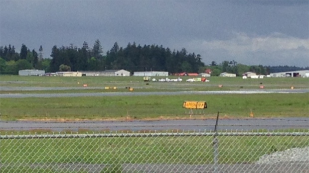 No one hurt in plane crash at Victoria airport