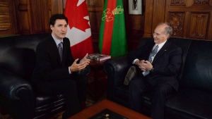 Prime Minister Justin Trudeau meets with the Aga Khan on Parliament Hill in Ottawa on Tuesday, May 17, 2016. (Sean Kilpatrick / THE CANADIAN PRESS)