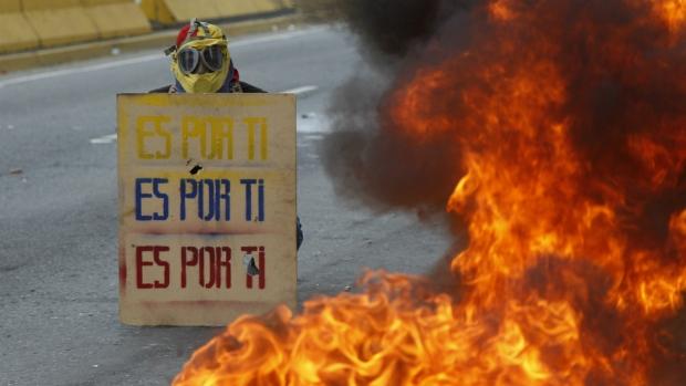 Protests in Venezuela turn deadly