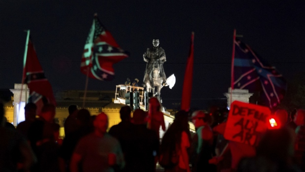 New Orleans removing Confederate-era monuments