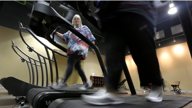 'Fat and frail' seniors benefit from right exercise combo