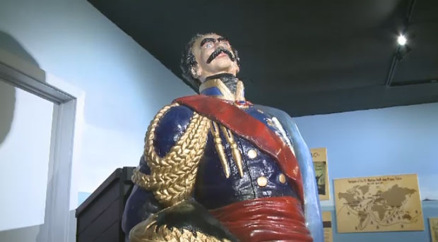 The Prince Victor figurehead is unveiled at the Quaco Museum.