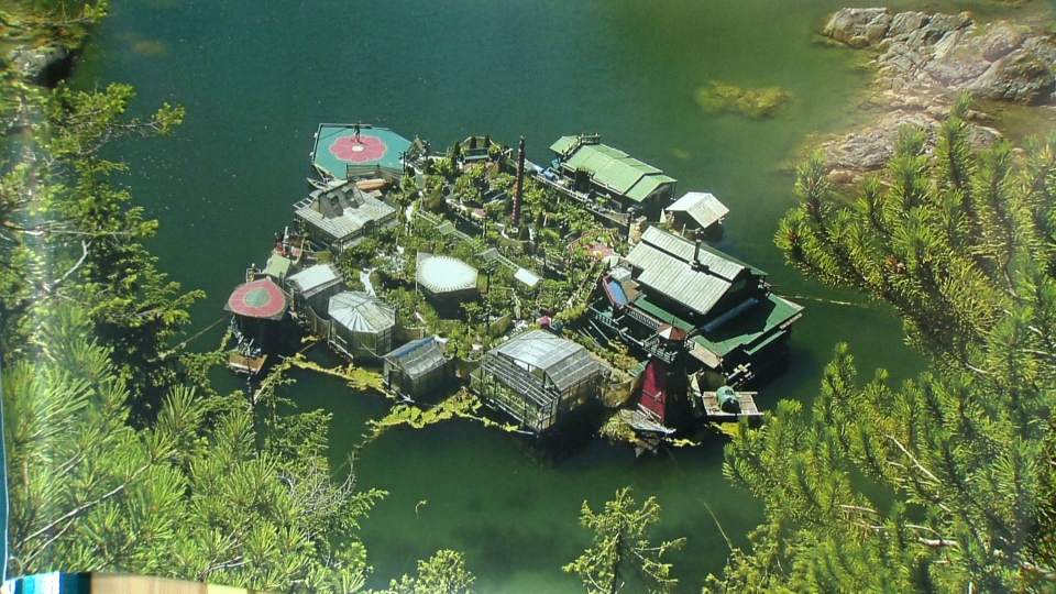 Wayne Adams and Catherine King have been living on an artificial island that they created themselves.