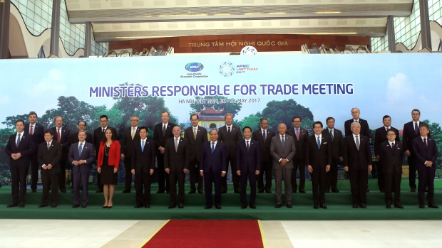 Trade ministers in Vietnam