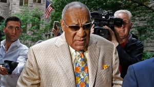 Bill Cosby, centre, arrives for jury selection in his sexual assault case at the Allegheny County Courthouse, Monday, May 22, 2017, in Pittsburgh. (Gene J. Puskar / AP)