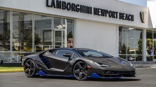 First U S Customer Gets Keys To Lamborghini Centenario Ctv News