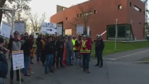 Construction employees begin a strike at the Champlain Bridge worksite on May 24, 2017 (CTV Montreal/Cosmo Santamaria)
