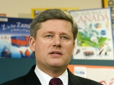 Prime Minister Stephen Harper announces a pilot project at the Hospital for Sick Children in Toronto on Thursday. (CP / Frank Gunn)