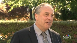 BC Green Party Leader Andrew Weaver speaks to reporters at the rose garden on the grounds of the B.C. Legislature in Victoria. May 26, 2017. (CTV Vancouver Island)