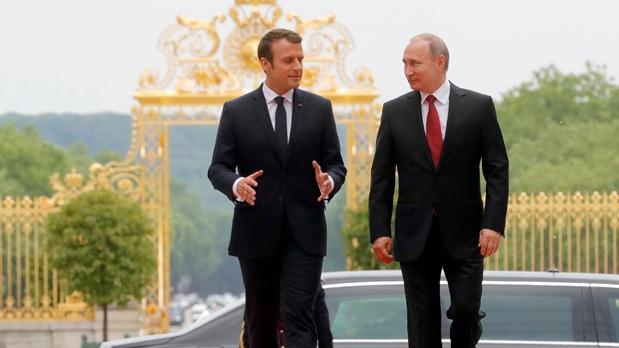 Macron, Putin,