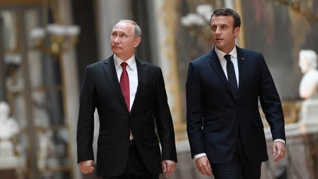 Putin, Macron discuss Syria, preparations for French leader's visit to Russian Federation