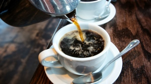 Both existing coffee drinkers and new coffee drinkers benefited from the same reduced risk, the study found.