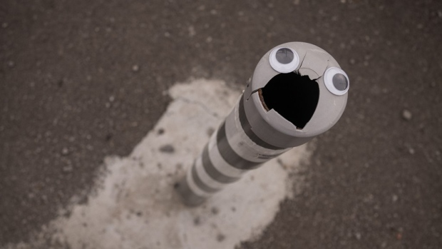 Street artist Vanyu Krastev is putting googly eyes on trash cans, lamp posts and basically anything you might find on the street in Bulgaria to bring smiles to anyone who spots them. (Vanyu Krastev / eyebombing.bg)