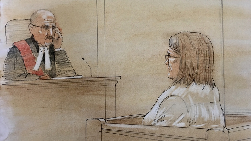 Elizabeth Wettlaufer, right, is seen in this court sketch in Woodstock, Ont., Thursday, June 1, 2017. (CTV News)